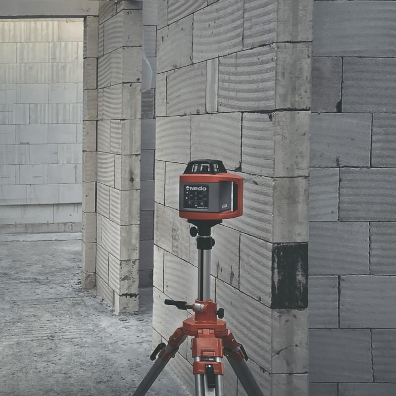 stavební laser